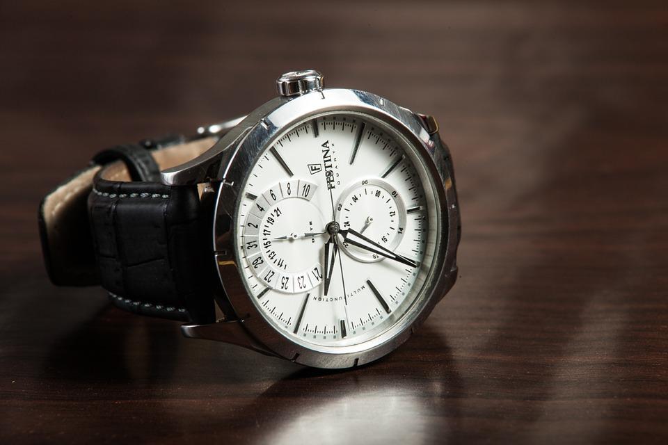 Nákup náramkových hodinek