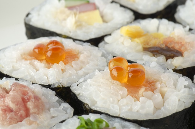 Sushi s kaviárem
