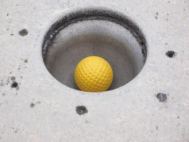 míček v jamce